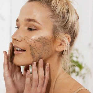 Exfoliating the skin to absorb better